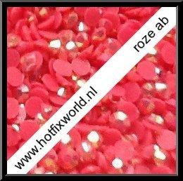 Resin ss16 roze AB 400 stuks