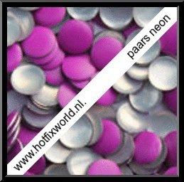 Nailheads ss16 Neon purple