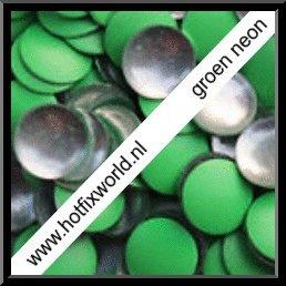 Nailheads ss16 Neon green